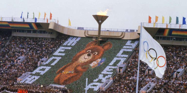 Cérémonie d'ouverture des Jeux Olympiques de Moscou, le 19 juillet 1980, au stade Central Lenine (aujourd'hui stade Loujniki).