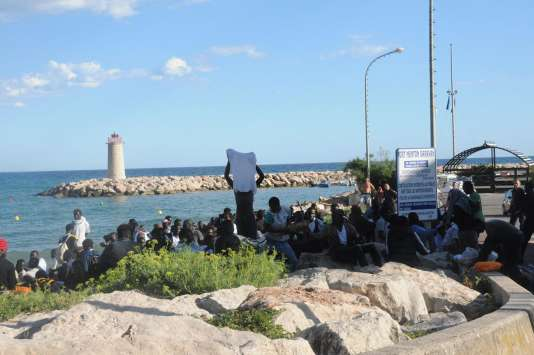 Un groupe de migrants a franchi dans la journée du 5aoûtla frontière entre l'Italie et la France.