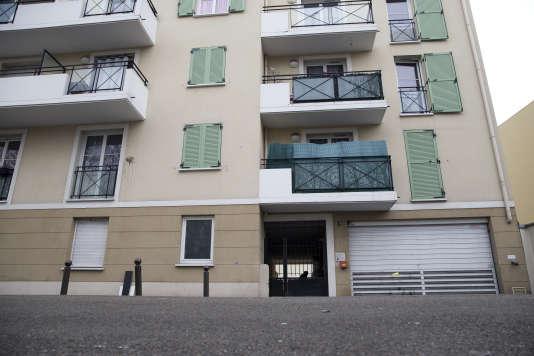 Une photo prise le 1er avril 2016, montrant l'appartement d'Argenteuil (Val-d'Oise),où vivait Reda Kriket, suspecté d'avoir projeté un attentat en France au nom de l'Etat islamique.