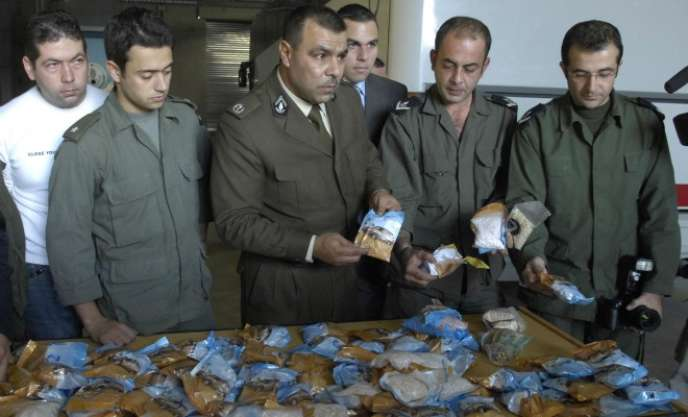 La police libanaise a arrêté, en novembre 2015, dix personnes, dont un prince saoudien, ayant tenté de faire sortir près de 2tonnes de pilules de Captagon dans un avion privé à destination de Riyad.