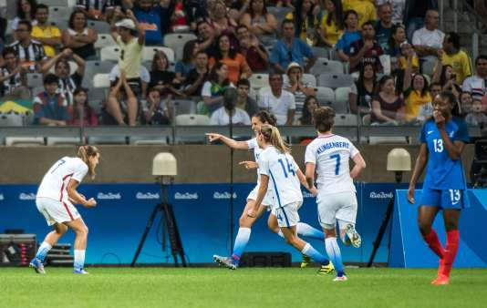 Les Américaines célèbrent leur but face à la France, samedi 6 août à Belo Horizonte.