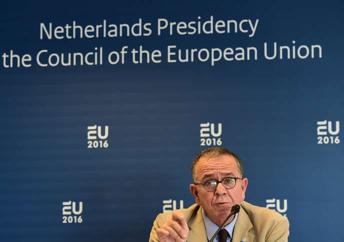Le ministre grec de la politique migratoire, Yiannis Mouzalas, lors d'une conférence de presse à Amsterdam, le 25 janvier.