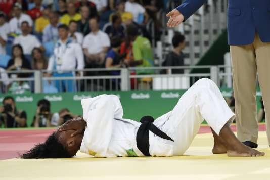 Toute la détresse de Priscilla Gneto, disqualifiée au premier tour en moins de 52 kg.
