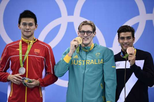 Les nageurs sont restés polis sur le podium.