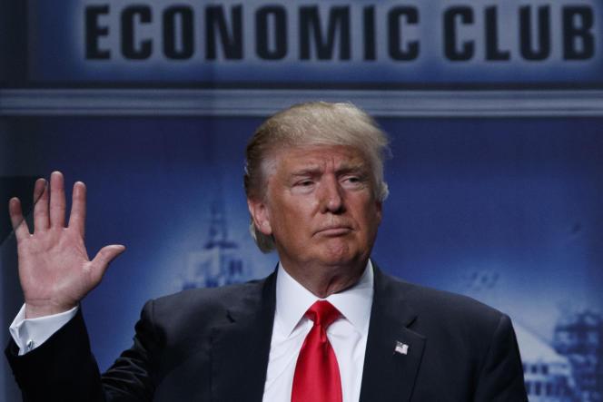 Donald Trump après son discours sur les questions économiques prononcé à Detroit, le 8 août.