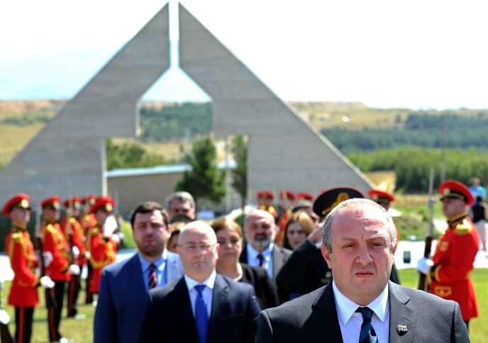 Le président géorgien, Guiorgui Margvelashvili, à Tbilissi, le 8 août, lors d'une cérémonie de commémoration du conflit en Ossétie du Sud.