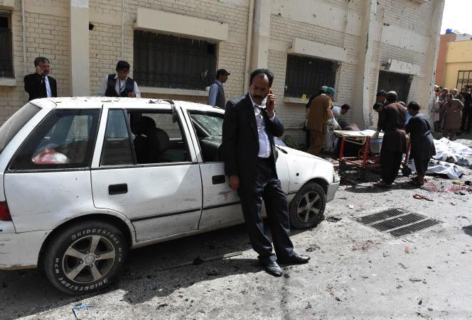 L'explosion a eu lieu au moment où des avocats et journalistes étaient rassemblés à l'hôpital, après l'assassinat d'un avocat en vue.