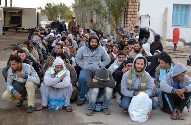 Des réfugiés egyptiens arrivés en Tunisie, en 2014.