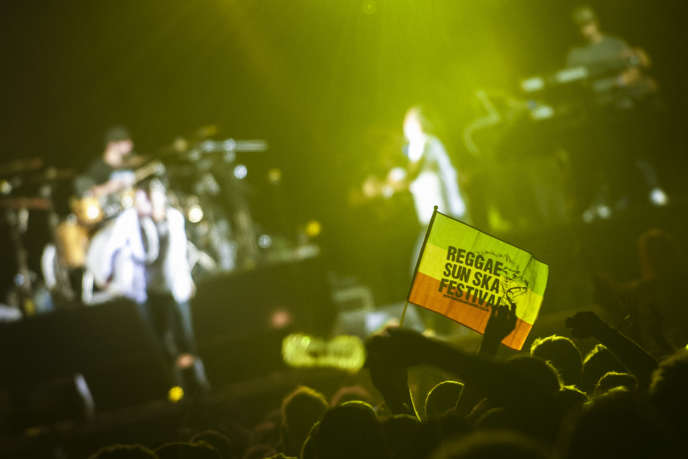 Un concert lors du 19e festival Reggae Sun Skae, le 7 août 2016.