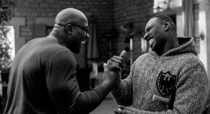 Teddy Riner et Omar Sy en mars 2016, dans le documentaire« Dans l'ombre de Teddy Riner», de Yann L'Hénoret, diffusé sur Canal+.
