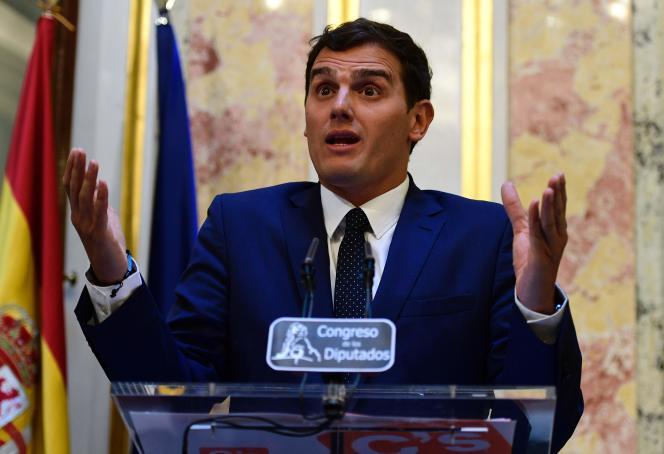 Le leader du parti de centre-droit Ciudadanos, Albert Rivera, lors d'une conférence de presse au Parlement espagnol, le 9 août, 2016.