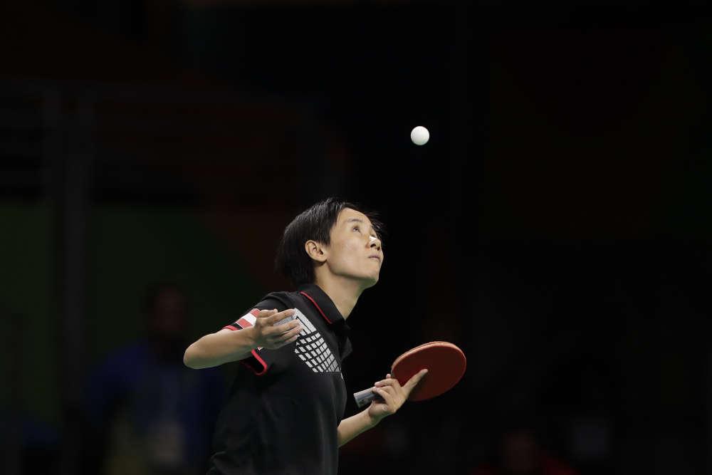 La pongiste autrichienne Jia Liu lors de son match contre Feng Tianwei de Singapour le 8 août.