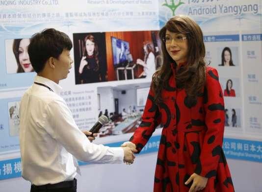 Le robot humanoïde Yangyang, lors de la Global Mobile Internet Conference, à Pékin, en avril 2015.