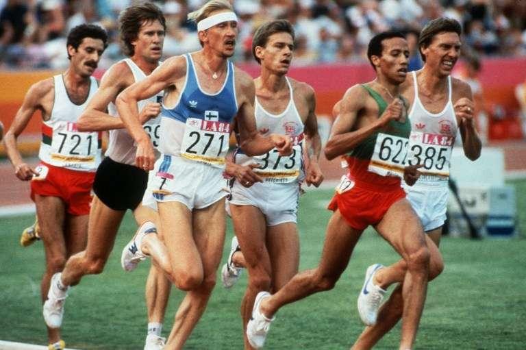 Saïd Aouita (2e en partant de la droite), lors de la finale du 5 000 m des JO de Los Angeles le 11 août 1984.