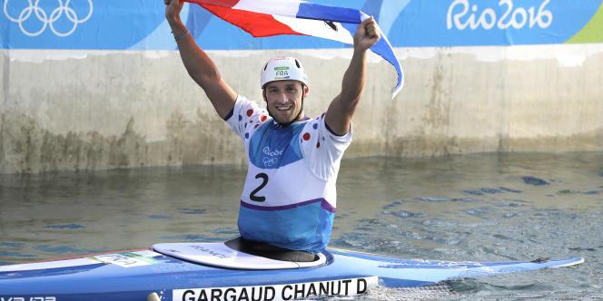 Denis Gargaud-Chanut fête son titre à Rio, le 9août.
