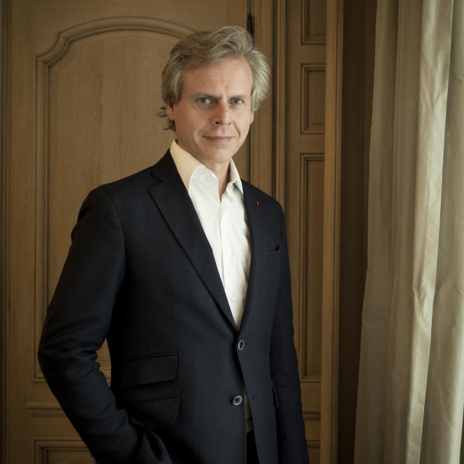 Jacques Guerlain, qui a créé Shalimar, L'Heure bleue ou Mitsouko, aimait à dire que «la gloire est éphémère, seule la renommée dure », explique le PDG de Guerlain, Laurent Boillot.