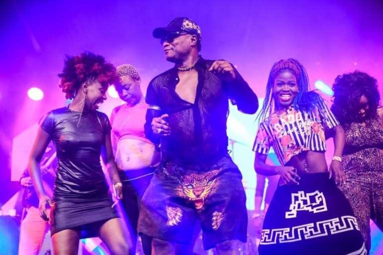 Koffi Olomidé, sur la scène du festival Koroga, à Nairobi, en mars 2016.