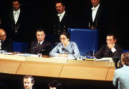 Simone Veil, présidente du Parlement européen, lors de son discours d'inauguration àStrasbourg,le 18 juillet 1979.