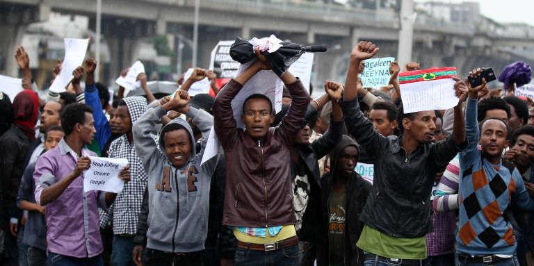 Des manifestants dénoncent la répartition inégale des richesses dans la capitale éthiopienne Addis Abeba, le 6 août 2016.