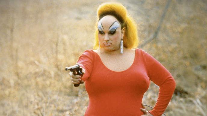 Divine, né Harris Glenn Milstead, drag-queen internationalement reconnue grâce à sa collaboration avec le réalisateur John Waters.
