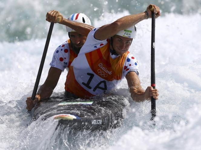 Les Français Gauthier Klauss (au premier plan) et Matthieu Péché, jeudi 11 août, à Rio.