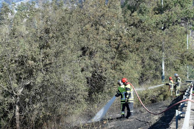 Des pompiers aux Pennes-Mirabeau, le 11 août.