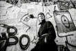 David Bowie devant le Mur de Berlin, en 1987.