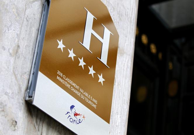 Un hôtel de luxe parisien, en août 2016.