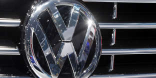 FILE - In this Sept. 22, 2015 file photo, the Volkswagen logo is seen on a car during the Car Show in Frankfurt, Germany. A group of computer security experts on Friday, Aug. 12, 2016 say they've figured out how to hack the keyless entry systems used on millions of cars. The experts, based at the University of Birmingham in Britain and at a German security firm, say that remote entry systems on most cars made by Volkswagen since 1995 can be cloned to permit unauthorized access to the car's interior. (AP Photo/Michael Probst, File)