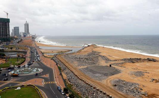 Une vue générale du chantier de construction du sitede«Colombo Port City» soutenu par les investissements chinois, à Colombo, Sri Lanka, le 9 août 2016.