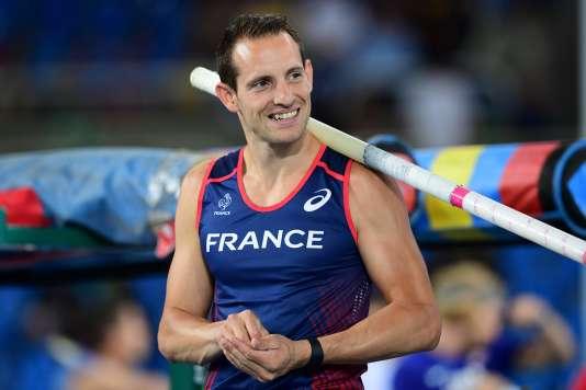 Renaud Lavillenie dispute lundi la finale du saut à la perche à Rio.