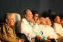 L'ancien président de Cuba, Fidel Castro (au centre), lors du gala de célébration de son 90e anniversaire, le 13 août, à La Havane. A ses côtés, son frère Raul Castro (à gauche) et le président du Venezuela, Nicolas Maduro (à droite).