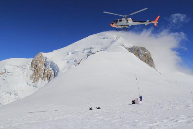 Le col du Dôme (4300mètres d'altitude) dans le massif du Mont-Blanc.