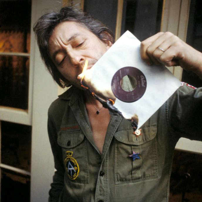 Serge Gainsbourg pose pour la couverture du magazine «Best», en novembre 1979.