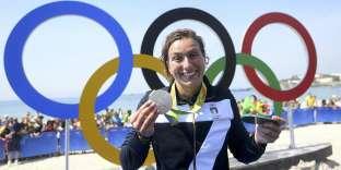 Rachele Bruni n'a pas hésité à faire son coming out après son titre olympique dans l'épreuve du10km en eau libre.