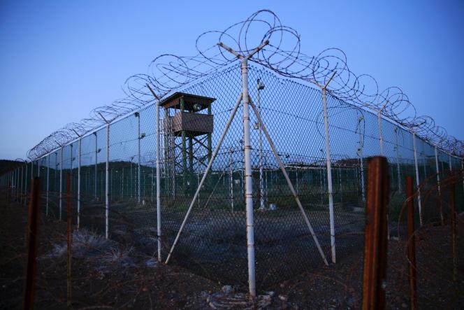 Une tour de garde abandonnée, dans le camp de Guantanamo, le 21 mai.