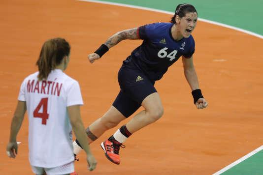 Menées par une Alexandra Lacrabère en feu, les Bleues poursuivent leur aventure aux Jeux.