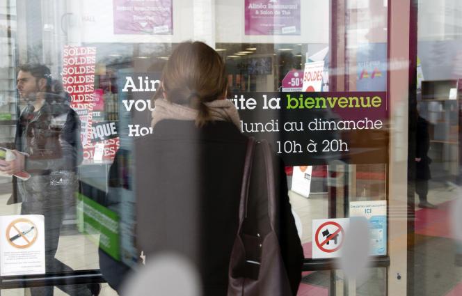 Un centre commercial à Franconville, dans le Val-d'Oise, en 2015.