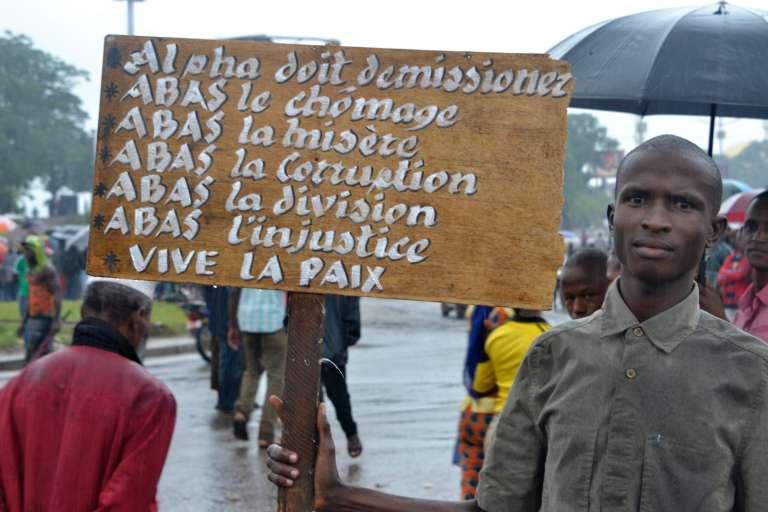 Un manifestant guinéen à Conakry, le 16 août 2016.