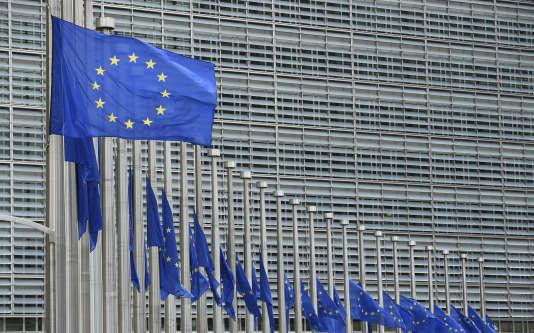 Devant le siège de la Commission européenne, le 15 juillet 2016.
