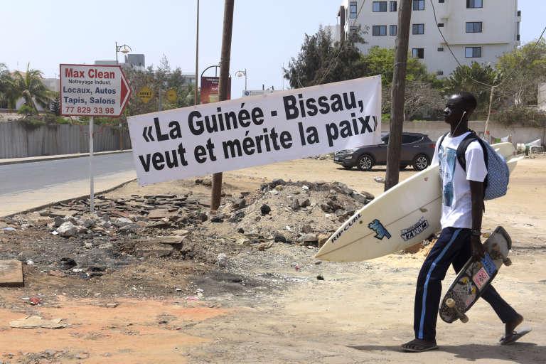 A Dakar, durant le 49e sommet de la Cédéao, le 4 juin 2016.