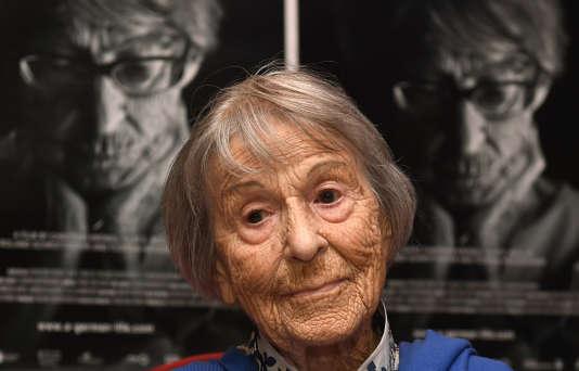Brunhilde Pomsel fut l'une des secrétaires de Joseph Goebbels. Ellesera condamnée à cinq ans de prison à la chute de l'Allemagne nazie.