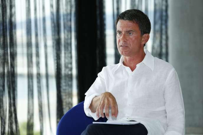 Manuel Valls lors de son interview par « La Provence », au MuCEM, à Marseille, le 12 août.