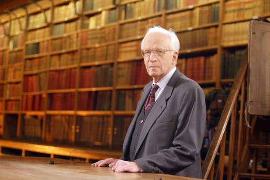 Ernst Nolte en 2002 lors d'un débat télévisé à Paris.