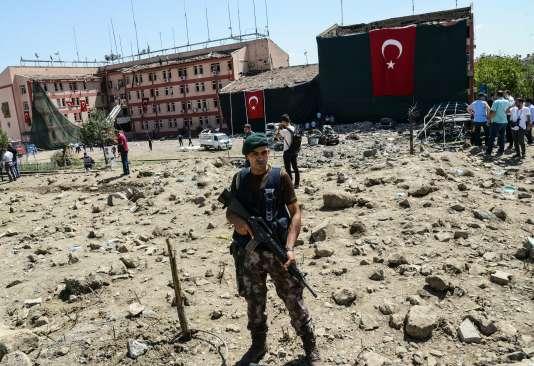 Après l'attentat contre un poste de police à Elazig, en Turquie, le 18 août.