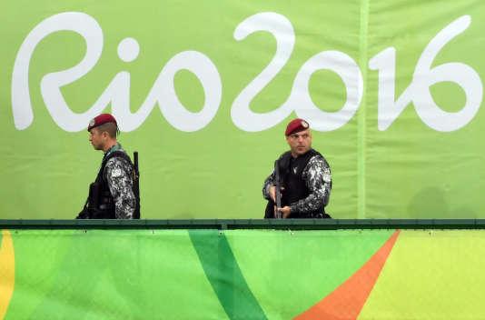 Des militaires brésiliens en patrouille à Rio.