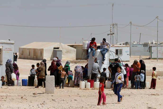 Des réfugiés syriens dans le camp d'Al-Zaatari, à Mafraq, en Jordanie, le 18 août 2016.