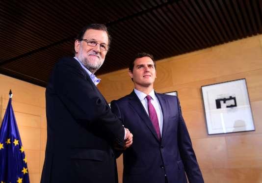 Le premier ministre sortant Mariano Rajoy et le leader de Ciudadanos Albert Rivera, le 18 août.