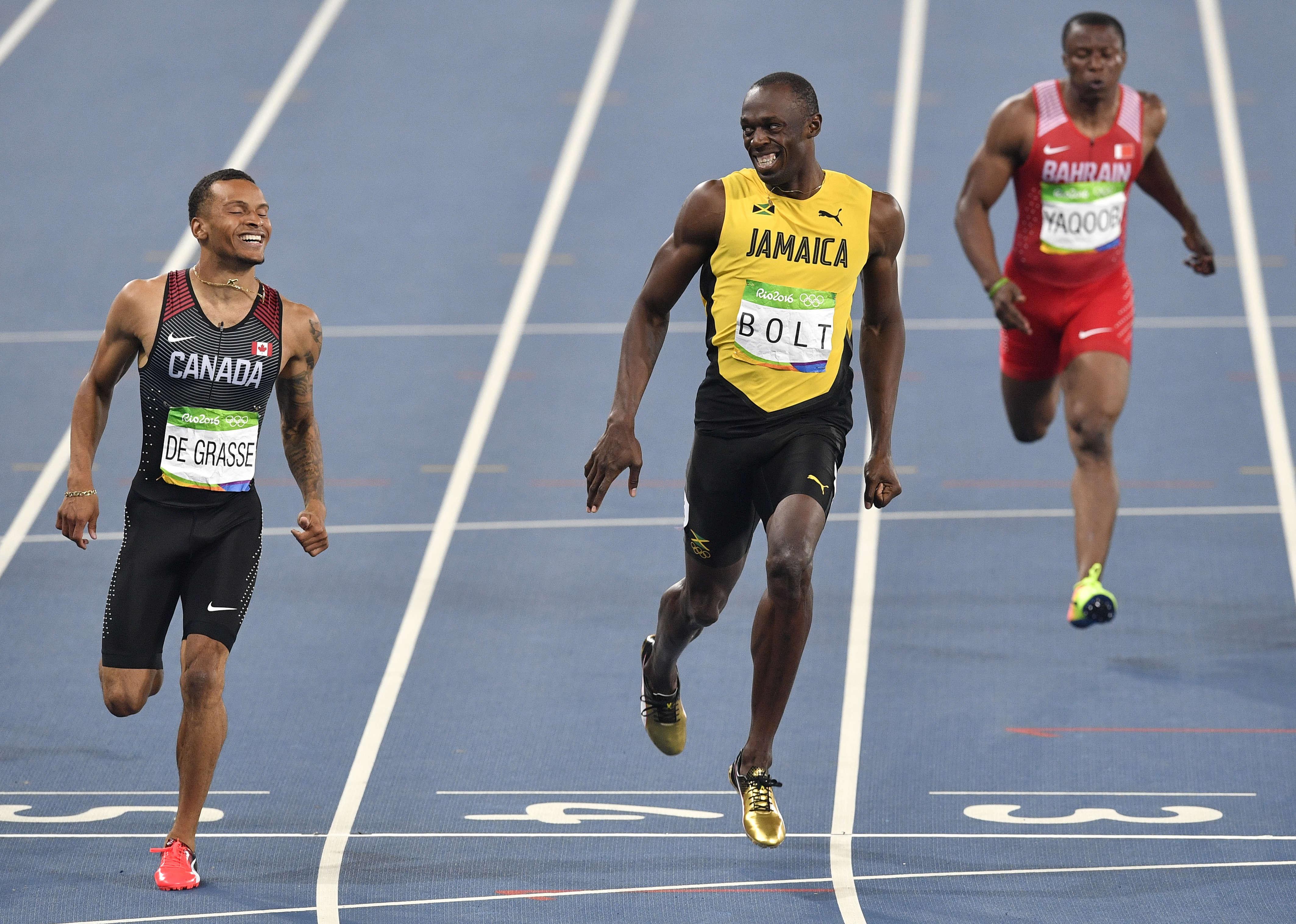 Le roi Usain Bolt semble avoir adoublé et trouvé son succès : le Canadien Andre De Grasse. Lors des qualifications du 200 m les deux sprinteurs, largement en tête, se sont permis un petit fou rire en constatant leur écrasante supériorité sur le reste des concurrents.