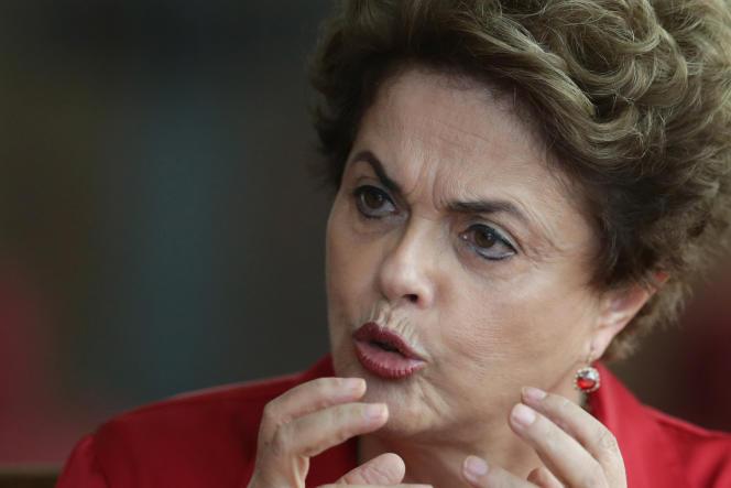 Dilma Rousseff lors d'une conférence de presse, le 18 août.